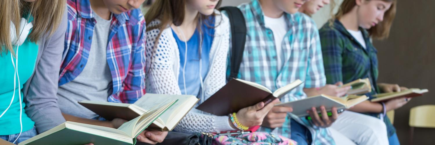 Teens Reading Banner Image