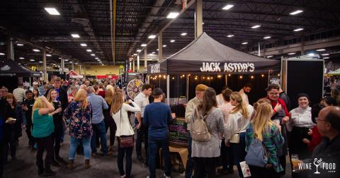 Wine & Food Crowd