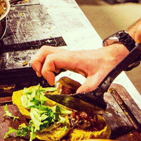 Wine & Food Show - wine pouring skills